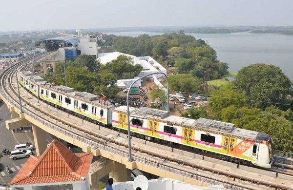 nagpur metro celebrates